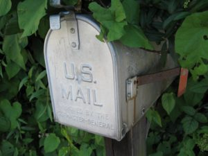 Mailbox_US_in_the_shade